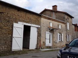 Maison St Symphorien sur Couze &bull; <span class='offer-area-number'>145</span> m² environ &bull; <span class='offer-rooms-number'>11</span> pièces