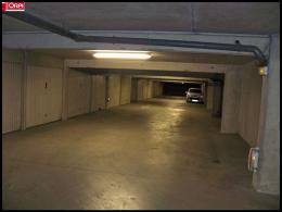Parking Lorient &bull; <span class='offer-area-number'>15</span> m² environ