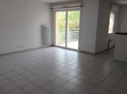 Location Appartement 3 pièces St Quentin de Baron