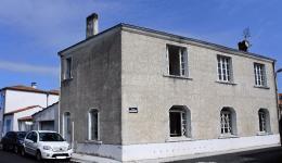 Maison La Tremblade &bull; <span class='offer-area-number'>138</span> m² environ &bull; <span class='offer-rooms-number'>5</span> pièces
