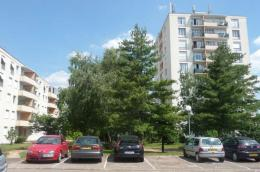 Parking Olivet &bull; <span class='offer-area-number'>12</span> m² environ