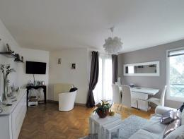 Appartement Sucy en Brie &bull; <span class='offer-area-number'>74</span> m² environ &bull; <span class='offer-rooms-number'>4</span> pièces