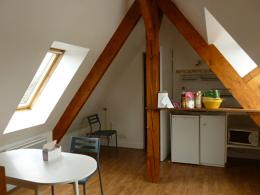 Appartement Pont l Eveque &bull; <span class='offer-area-number'>18</span> m² environ &bull; <span class='offer-rooms-number'>1</span> pièce