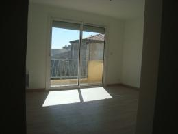Appartement Lunel &bull; <span class='offer-area-number'>72</span> m² environ &bull; <span class='offer-rooms-number'>3</span> pièces