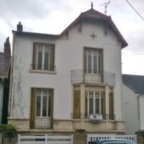 Maison Montlucon &bull; <span class='offer-area-number'>165</span> m² environ &bull; <span class='offer-rooms-number'>7</span> pièces