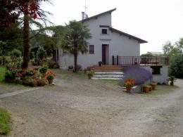 Maison Monclar de Quercy &bull; <span class='offer-area-number'>190</span> m² environ &bull; <span class='offer-rooms-number'>7</span> pièces