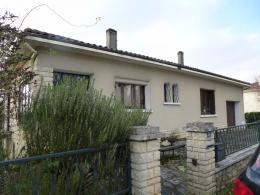 Maison La Rochefoucauld &bull; <span class='offer-area-number'>150</span> m² environ &bull; <span class='offer-rooms-number'>7</span> pièces