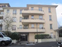 Appartement Fontenay le Fleury &bull; <span class='offer-area-number'>48</span> m² environ &bull; <span class='offer-rooms-number'>2</span> pièces