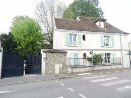 Appartement Brie Comte Robert &bull; <span class='offer-area-number'>32</span> m² environ &bull; <span class='offer-rooms-number'>2</span> pièces