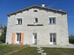 Maison Champagne &bull; <span class='offer-area-number'>157</span> m² environ &bull; <span class='offer-rooms-number'>5</span> pièces