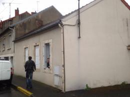 Maison Montlucon &bull; <span class='offer-area-number'>70</span> m² environ &bull; <span class='offer-rooms-number'>3</span> pièces