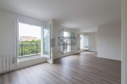 Appartement St Maurice &bull; <span class='offer-area-number'>78</span> m² environ &bull; <span class='offer-rooms-number'>4</span> pièces