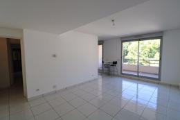 Appartement Marseille 08 &bull; <span class='offer-area-number'>63</span> m² environ &bull; <span class='offer-rooms-number'>3</span> pièces