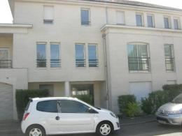 Appartement St Cyr sur Loire &bull; <span class='offer-area-number'>27</span> m² environ &bull; <span class='offer-rooms-number'>1</span> pièce