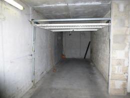 Parking Meulan &bull; <span class='offer-area-number'>19</span> m² environ