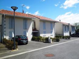 Appartement Orthez &bull; <span class='offer-area-number'>62</span> m² environ &bull; <span class='offer-rooms-number'>3</span> pièces