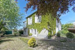 Maison St Junien &bull; <span class='offer-area-number'>210</span> m² environ &bull; <span class='offer-rooms-number'>9</span> pièces