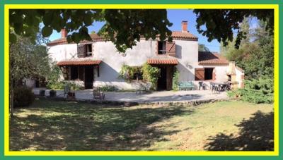 Maison Les Sables d Olonne &bull; <span class='offer-area-number'>170</span> m² environ &bull; <span class='offer-rooms-number'>7</span> pièces