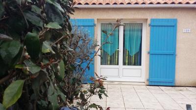 Maison Les Mathes &bull; <span class='offer-area-number'>28</span> m² environ &bull; <span class='offer-rooms-number'>3</span> pièces