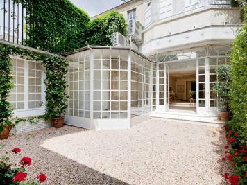 Maison Paris 16 &bull; <span class='offer-area-number'>600</span> m² environ &bull; <span class='offer-rooms-number'>10</span> pièces