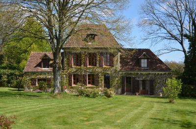 Maison Mortagne au Perche &bull; <span class='offer-area-number'>134</span> m² environ &bull; <span class='offer-rooms-number'>7</span> pièces