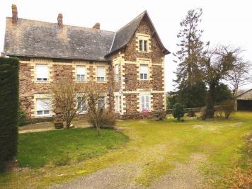 Maison St Julien de Vouvantes &bull; <span class='offer-area-number'>210</span> m² environ &bull; <span class='offer-rooms-number'>11</span> pièces