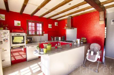 Maison St Varent &bull; <span class='offer-area-number'>110</span> m² environ &bull; <span class='offer-rooms-number'>4</span> pièces