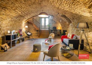 Appartement Beauregard &bull; <span class='offer-area-number'>156</span> m² environ &bull; <span class='offer-rooms-number'>5</span> pièces