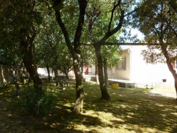 Maison Rochefort du Gard &bull; <span class='offer-area-number'>140</span> m² environ &bull; <span class='offer-rooms-number'>5</span> pièces