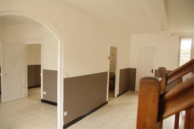 Maison Estrees St Denis &bull; <span class='offer-area-number'>160</span> m² environ &bull; <span class='offer-rooms-number'>6</span> pièces