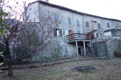 Maison La Souche &bull; <span class='offer-area-number'>145</span> m² environ &bull; <span class='offer-rooms-number'>8</span> pièces