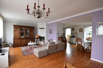 Maison Talange &bull; <span class='offer-area-number'>157</span> m² environ &bull; <span class='offer-rooms-number'>5</span> pièces