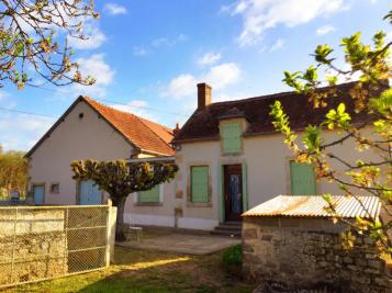 Maison St Amand Montrond &bull; <span class='offer-area-number'>81</span> m² environ &bull; <span class='offer-rooms-number'>3</span> pièces