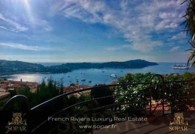 Villa Villefranche sur Mer &bull; <span class='offer-area-number'>210</span> m² environ &bull; <span class='offer-rooms-number'>6</span> pièces