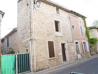 Appartement La Roque d Antheron &bull; <span class='offer-area-number'>45</span> m² environ &bull; <span class='offer-rooms-number'>3</span> pièces