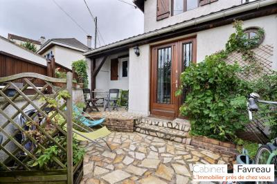 Maison Villejuif &bull; <span class='offer-area-number'>69</span> m² environ &bull; <span class='offer-rooms-number'>3</span> pièces
