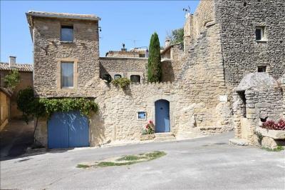 Maison Cabrieres D Avignon &bull; <span class='offer-area-number'>205</span> m² environ &bull; <span class='offer-rooms-number'>7</span> pièces