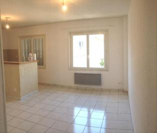 Appartement L Isle Jourdain &bull; <span class='offer-area-number'>45</span> m² environ &bull; <span class='offer-rooms-number'>2</span> pièces