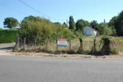 Terrain St Ciers sur Gironde &bull; <span class='offer-area-number'>650</span> m² environ