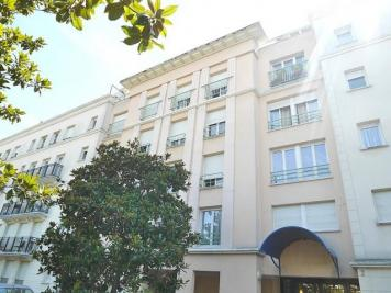 Appartement Suresnes &bull; <span class='offer-area-number'>62</span> m² environ &bull; <span class='offer-rooms-number'>3</span> pièces