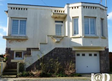Maison Lanvollon &bull; <span class='offer-area-number'>82</span> m² environ &bull; <span class='offer-rooms-number'>4</span> pièces
