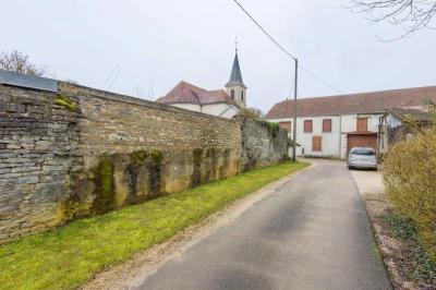 Maison Montigny Mornay Villeneuve Vingeanne &bull; <span class='offer-area-number'>263</span> m² environ &bull; <span class='offer-rooms-number'>8</span> pièces