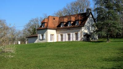 Maison Ste Eulalie d Ans &bull; <span class='offer-area-number'>142</span> m² environ &bull; <span class='offer-rooms-number'>6</span> pièces