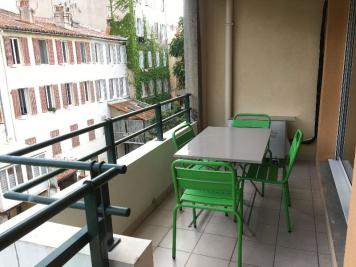 Appartement Marseille 07 &bull; <span class='offer-area-number'>72</span> m² environ &bull; <span class='offer-rooms-number'>3</span> pièces