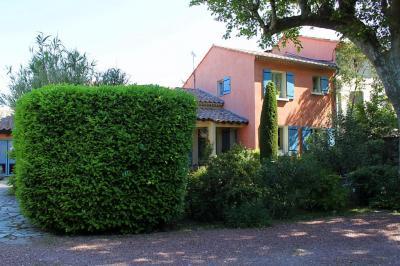 Maison L Isle sur la Sorgue &bull; <span class='offer-area-number'>151</span> m² environ &bull; <span class='offer-rooms-number'>5</span> pièces