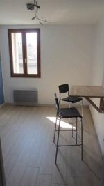Appartement Grenoble &bull; <span class='offer-area-number'>24</span> m² environ &bull; <span class='offer-rooms-number'>1</span> pièce