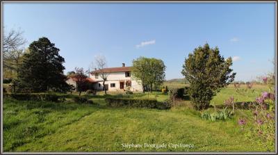 Maison Larroque &bull; <span class='offer-area-number'>183</span> m² environ &bull; <span class='offer-rooms-number'>8</span> pièces