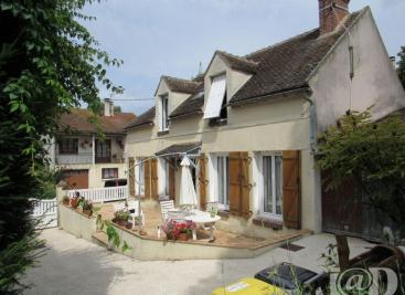 Maison Courlon sur Yonne &bull; <span class='offer-area-number'>85</span> m² environ &bull; <span class='offer-rooms-number'>4</span> pièces