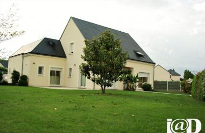 Maison Sandillon &bull; <span class='offer-area-number'>170</span> m² environ &bull; <span class='offer-rooms-number'>5</span> pièces