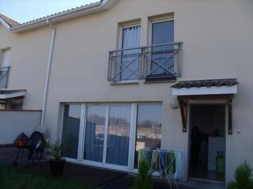 Appartement Villeneuve sur Lot &bull; <span class='offer-area-number'>61</span> m² environ